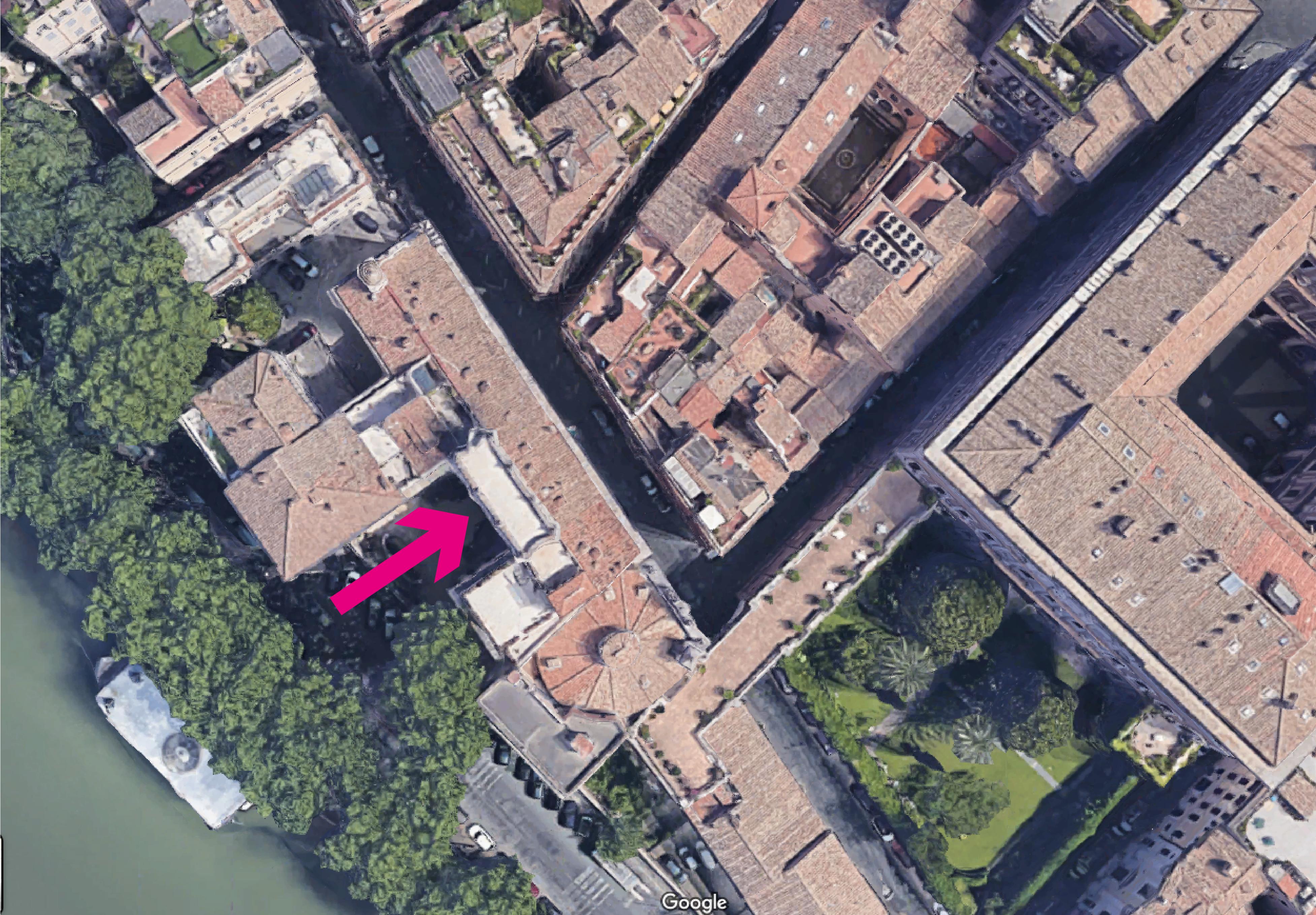 La flecha señala la altana del Palacio Falconieri en Vía Giulia (la Via Giulia se desarrolla en paralelo al Tíber)