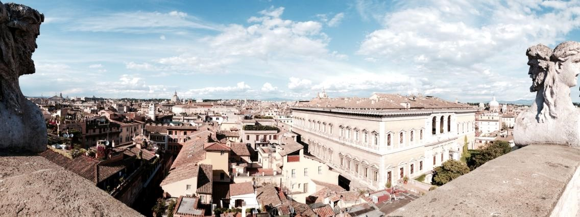 Vista de Roma hacia Piazza Farnese desde la altana del Palacio Falconieri